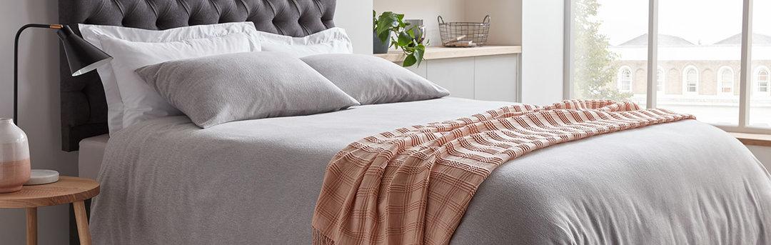 Buying Guides U003e. Desktop Bed Linen Banner2