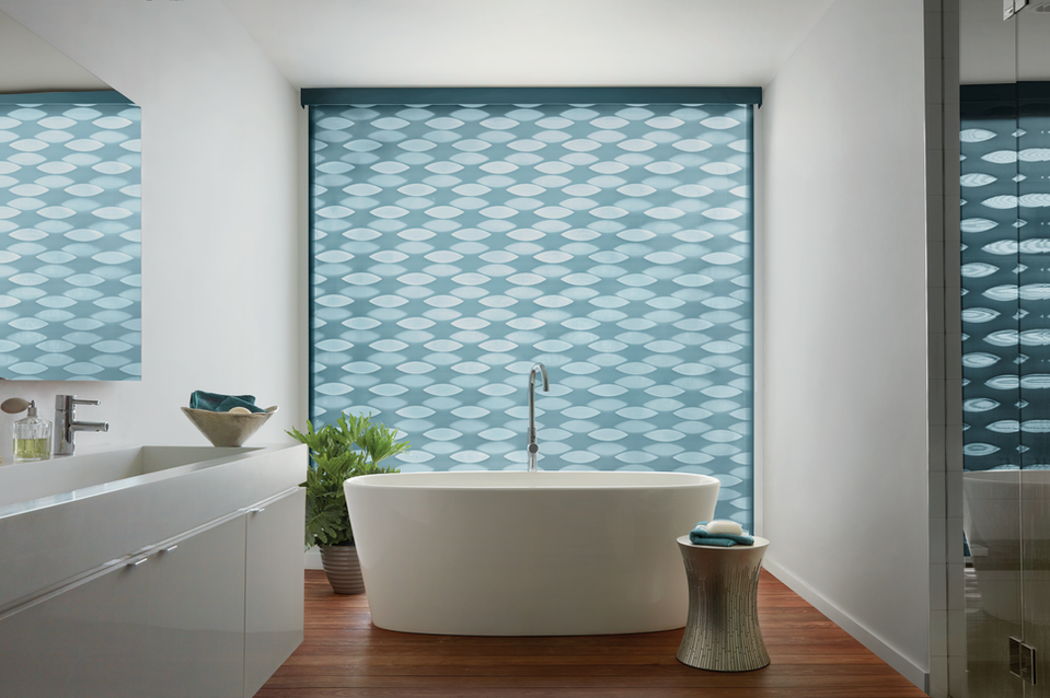 2017_DBS_UG_Coastal_Bathroom Closed. Bathroom Custom Window Coverings