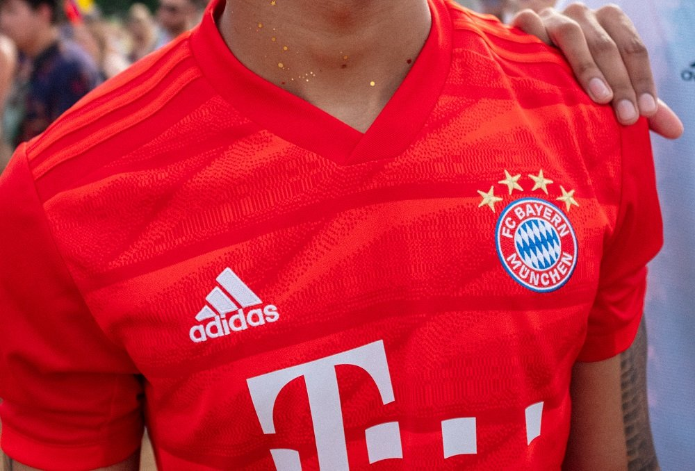 4a69be75 Official Bayern Munich FC Jerseys (kits), T-Shirts & more Gear ...